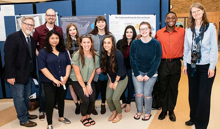 spring_2018_undergrad_research_day_group