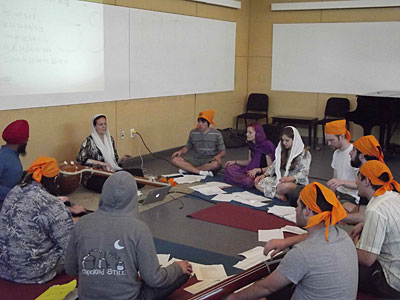 Workshop on pakhāwaj with Parminder Singh Bhamra, Sikh Musicology course, Spring 2012