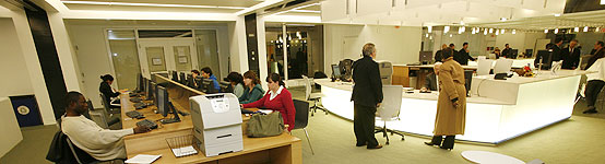 A stunning renovation of the first floor of the Axinn Library was unveiled in November 2006.