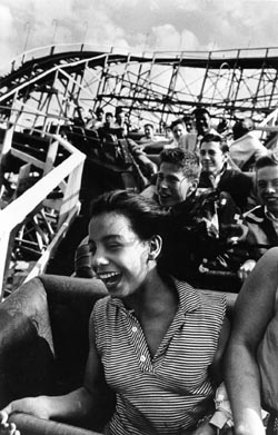Harold Feinstein, Girl on Cyclone